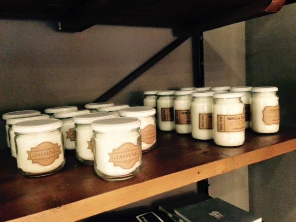 Velas aromáticas... Deja encendida una antes de dormir...  en el toilette, en el living, en tu cocina.... totalmente pura esencia y natural!